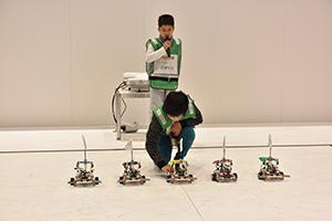 ダンスリーグロボット