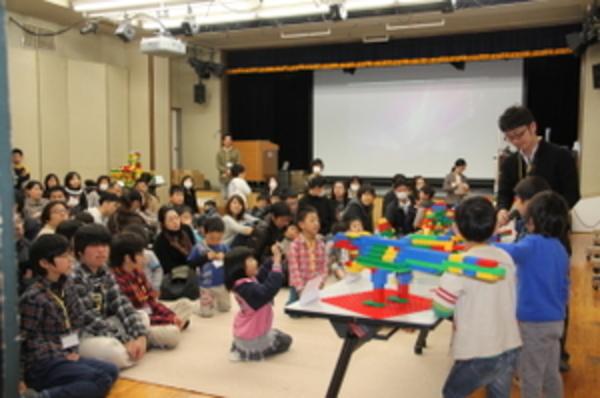 平成23年度 レゴ教室発表会を行いました。