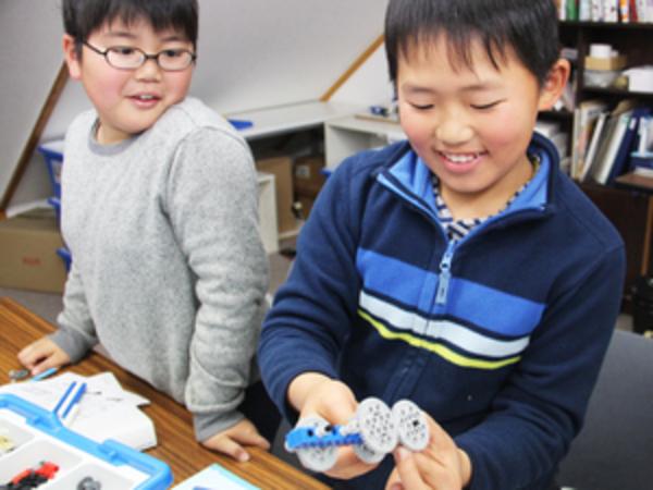 小学生クラス レゴでギアの原理を学ぶ ~体感することで理解が深まる~